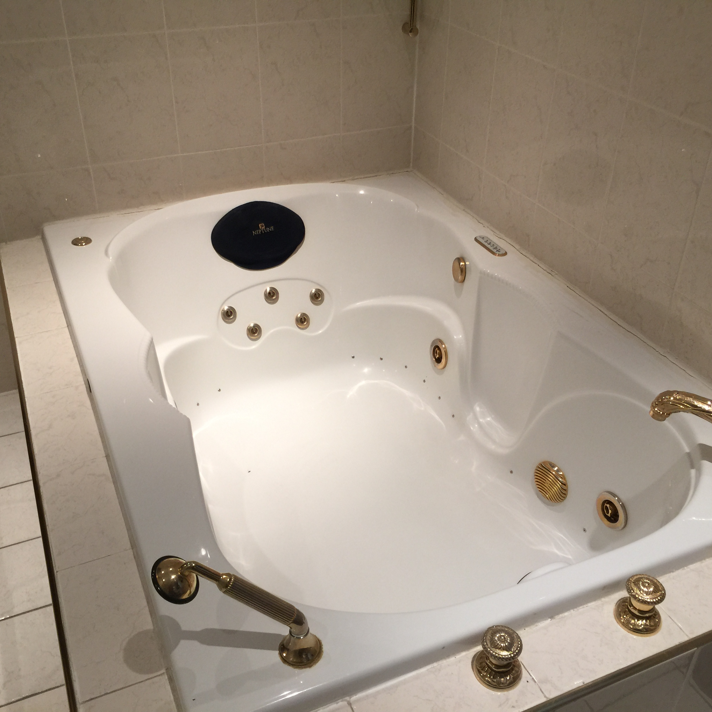 House For Rent Bay Ridge 1and Half Baths 11209 New